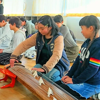 郡山小学校箏(琴)体験授業佳寿美会